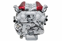 infiniti-q50-eau-rouge-engine-003-1
