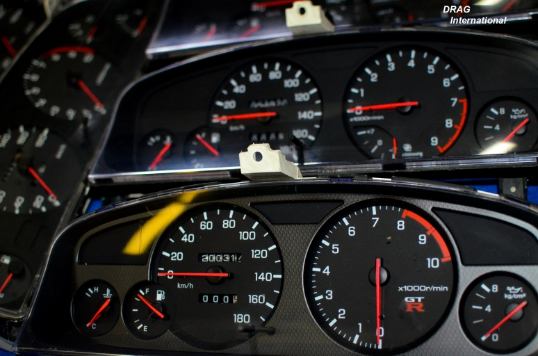 R33 GTR Cluster