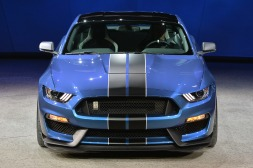 11-2016-shelby-gt350r-detroit-1