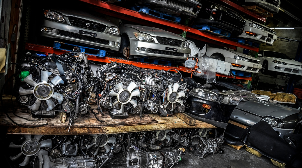 JDM Container 02 2015 – 2 Skylines and the usual JDM Engine